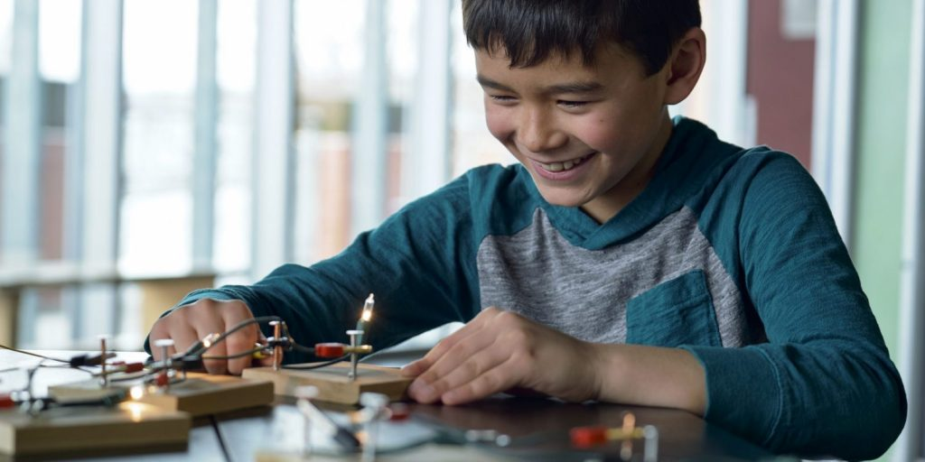 Child building circuits